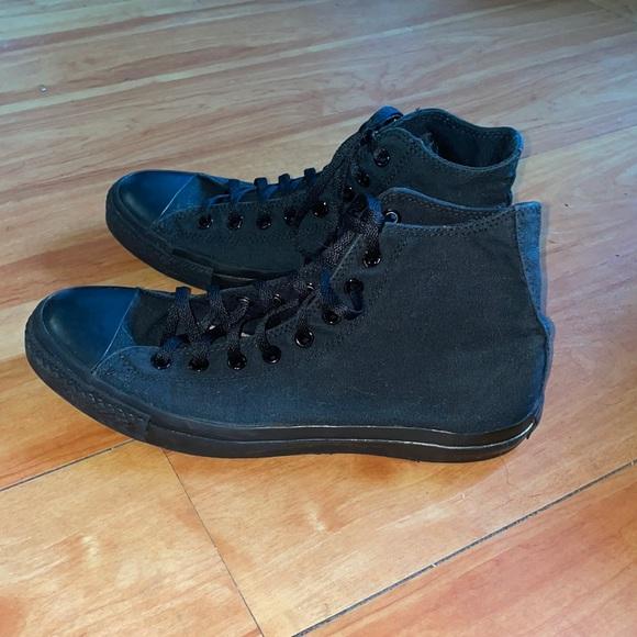 Black converse hi tops. Size 11.